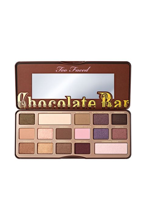 Eye shadow, Eye, Brown, Organ, Cosmetics, Human body, Chocolate, Beige, Chocolate bar,