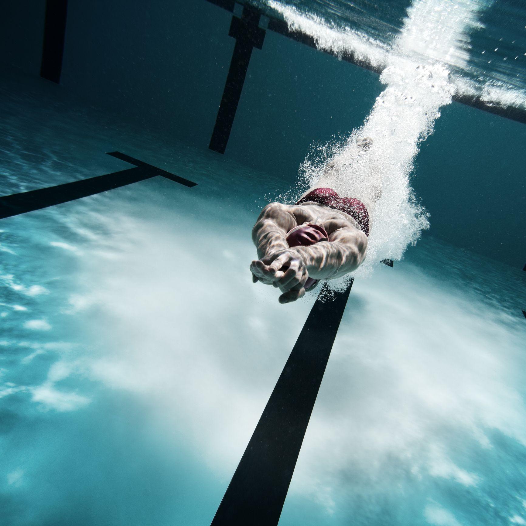 como debo nadar para adelgazar