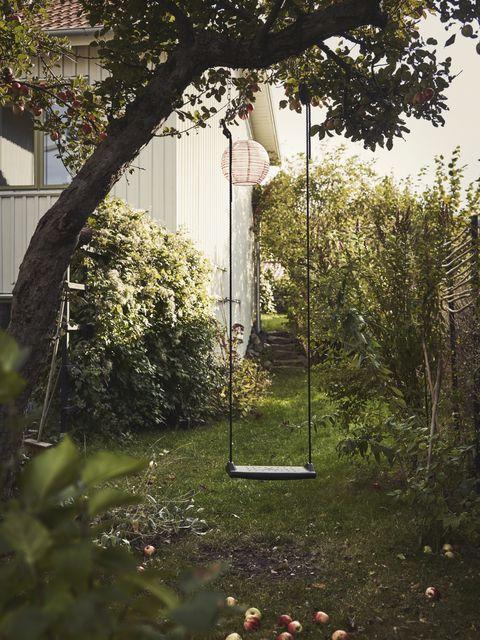 balançoire dans le jardin