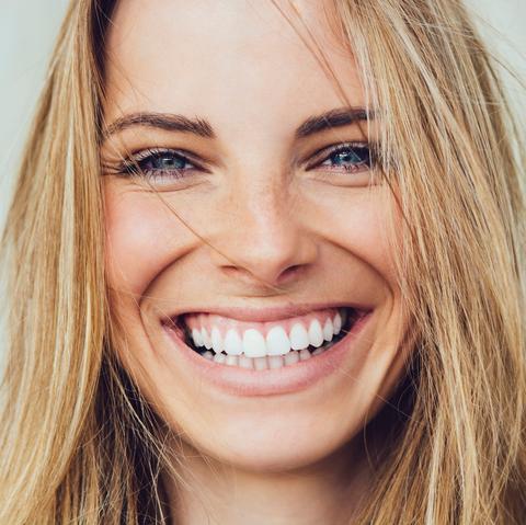 causes of swollen gums