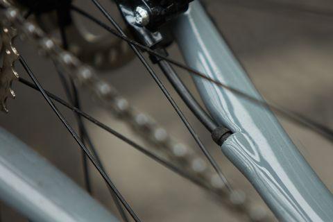 Bicycle wheel, Bicycle part, Spoke, Bicycle tire, Rim, Bicycle, Tire, Vehicle, Steel, Bicycle drivetrain part,