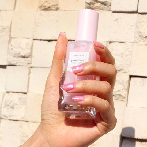 Skin, Product, Nail, Pink, Hand, Beauty, Fluid, Water, Finger, Solution,