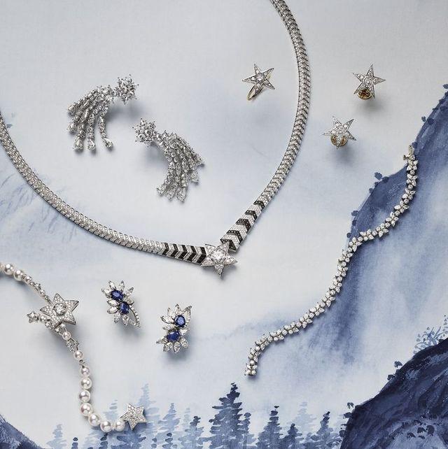 necklace, jewellery, fashion accessory, body jewelry, silver, metal, ear, illustration,