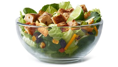 Dish, Food, Salad, Garden salad, Caesar salad, Cuisine, Ingredient, Spinach salad, Produce, Vegetable,