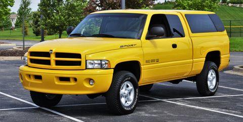 Land vehicle, Vehicle, Car, Motor vehicle, Pickup truck, Yellow, Transport, Hood, Automotive tire, Automotive design,
