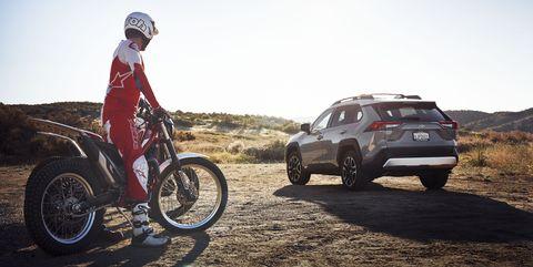 Land vehicle, Vehicle, Off-roading, Car, Automotive tire, Mountain bike, Landscape, Wheel, Tire, Recreation,