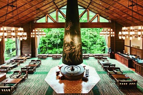 Interior design, Room, Building, Architecture, Tree, Plant, Leisure, Lobby, Hall,
