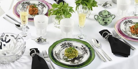 Dishware, Food, Table, Plate, À la carte food, Dish, Meal, Tablecloth, Tableware, Brunch,