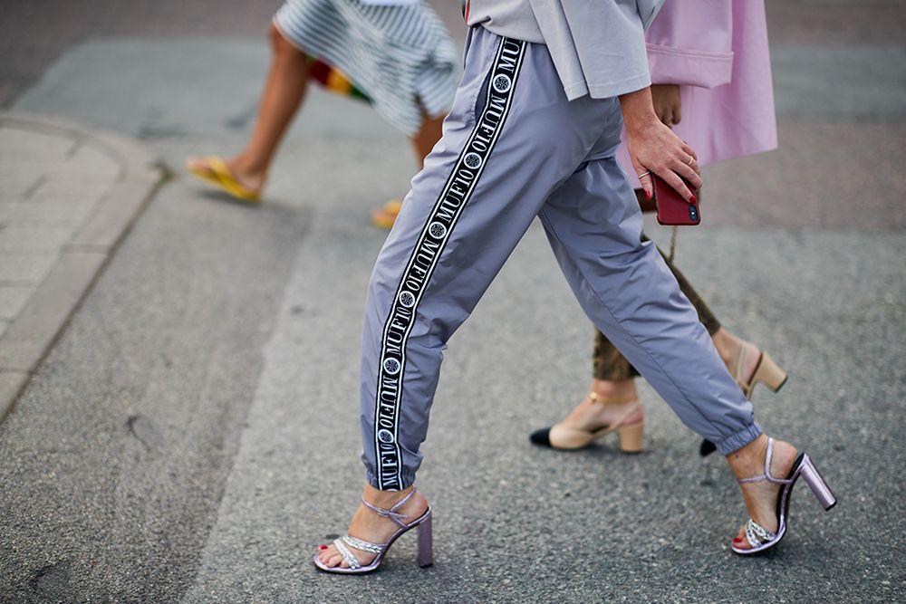 Indossare scarpe con i tacchi alti fa male?