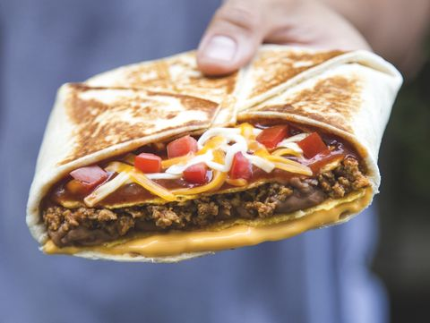 Food, Fast food, Cuisine, Dish, Junk food, Sandwich wrap, Street food, Hand, Ingredient, Gyro,