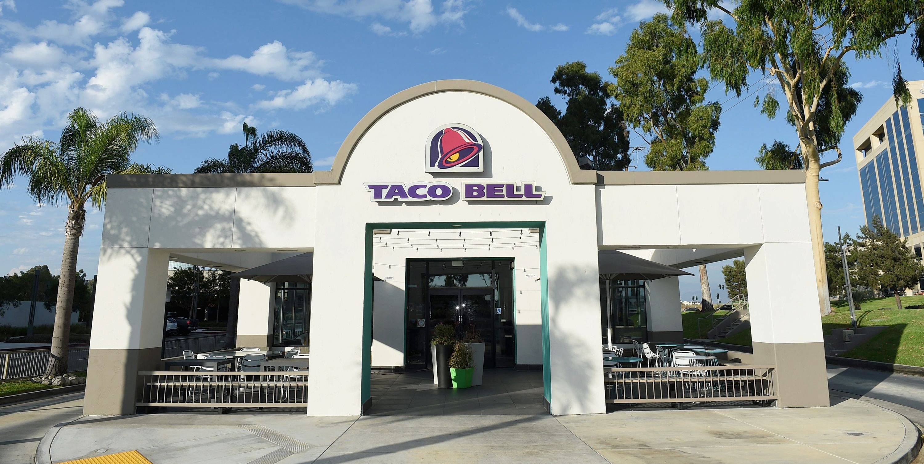 The 8 Healthiest Things To Order From Taco Bell, According To Nutritionists