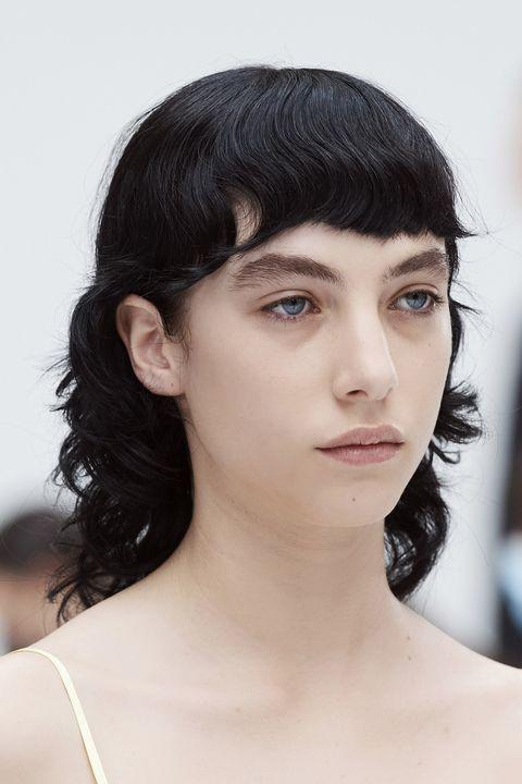 tagli capelli asimmetrici primavera estate 2021