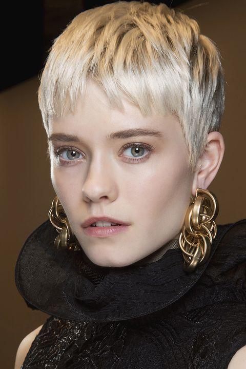 tagli capelli corti 2021