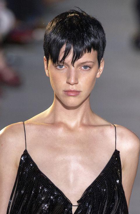 tagli capelli corti 2022
