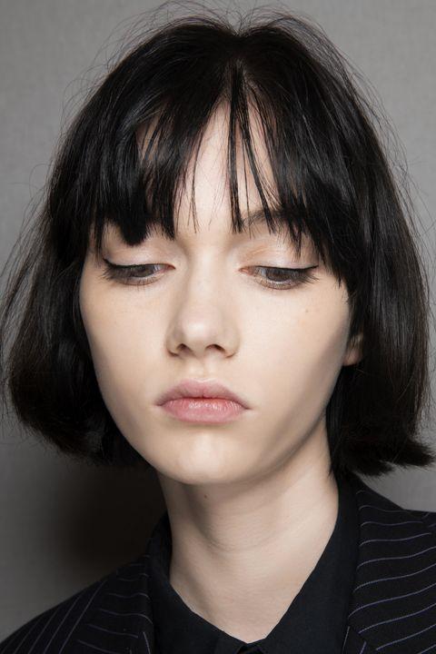 tagli capelli corti scalati di tendenza per il 2020