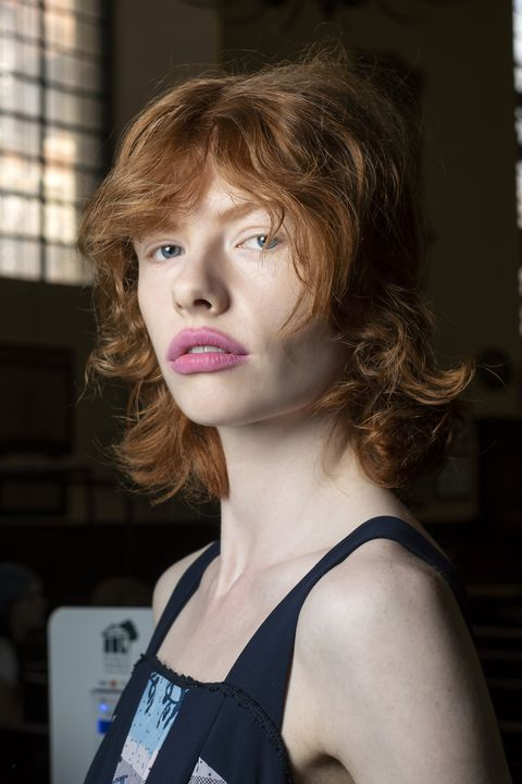 tagli capelli estate 2021 caschetti con frangia foto