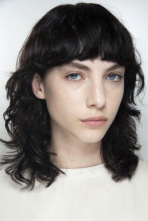 tagli capelli medi scalati 2020