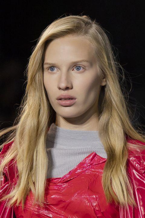 tagli capelli primavera 2021 lunghi viso allungato