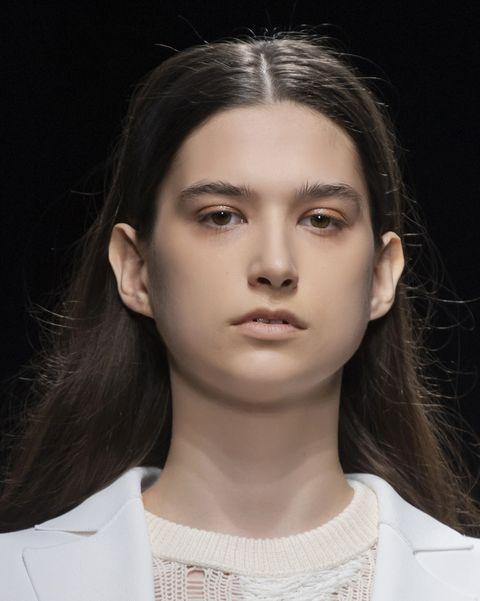 tagli capelli lunghi primavera 2021 viso tondo