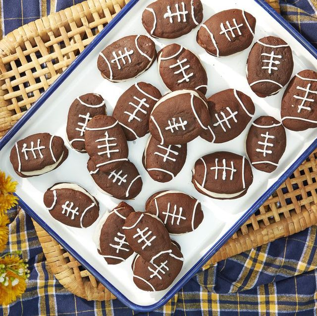 431892760e13 55 Easy Tailgate Food Ideas - Best Tailgating Recipes for a Party Crowd