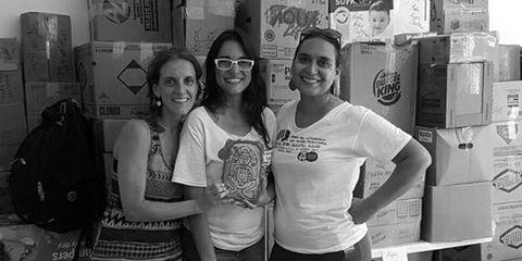 Snapshot, Fun, Smile, Black-and-white, Photography, Team, T-shirt, Glasses, Monochrome, Eyewear,