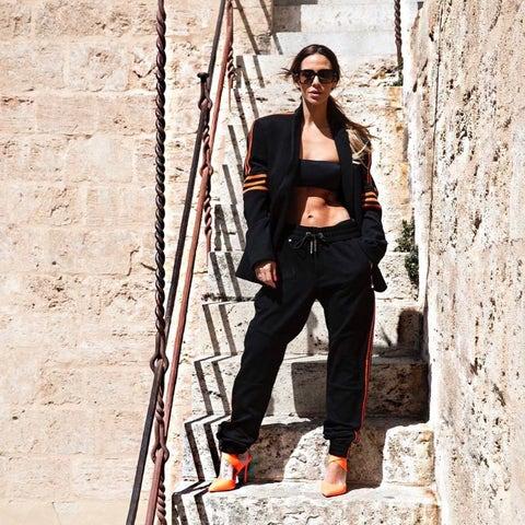 Clothing, Street fashion, Fashion, Jeans, Trousers, Footwear, Outerwear, Photo shoot, Denim, Sportswear,