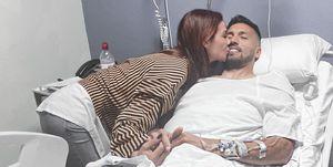 Tamara Gorro y Ezequiel Garay tras su operación de ligamentos cruzados