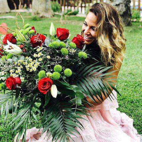 Flower, Bouquet, Flower Arranging, Floristry, Floral design, Plant, Cut flowers, Grass, Spring, Petal,