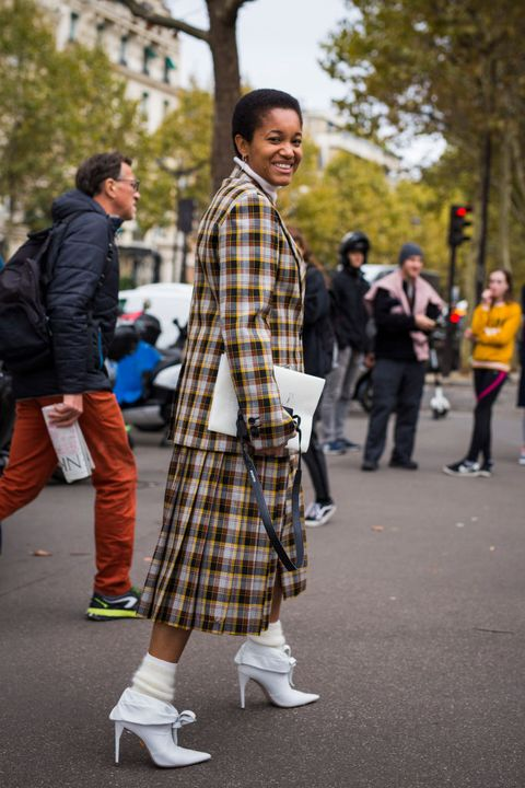 Street Style : Paris Fashion Week Womenswear Spring/Summer 2019 : Day Nine