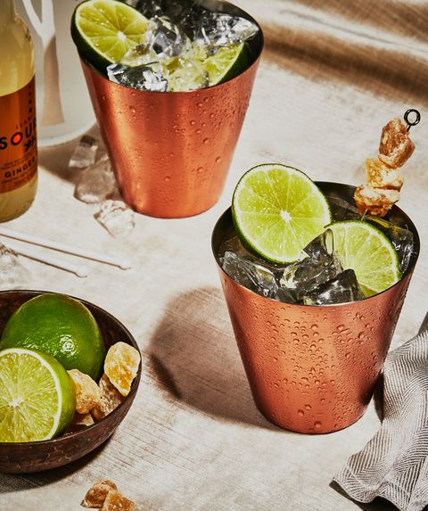 moscow mule cocktail with vodka, lime juice and ginger beer