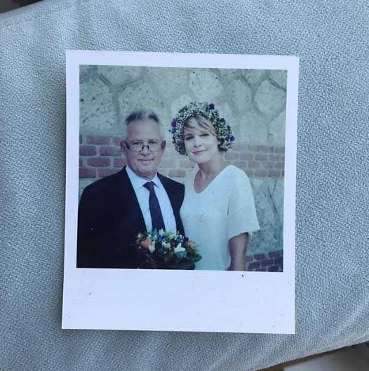 Tania Llasera en el día de su boda