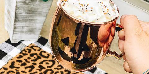 Drink, Cup, Cup, Coffee, Coffee cup, Latte, Hot chocolate, Caffeine, Food, Mug,