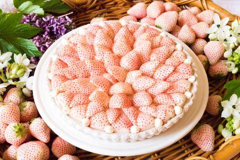 Dish, Food, Cuisine, Sweetness, Ingredient, Dessert, Baked goods, Torte, Cake, Strawberries,