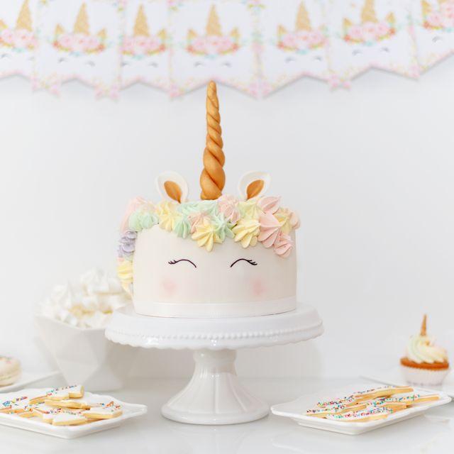 Tarta de cumpleaños con forma de unicornio