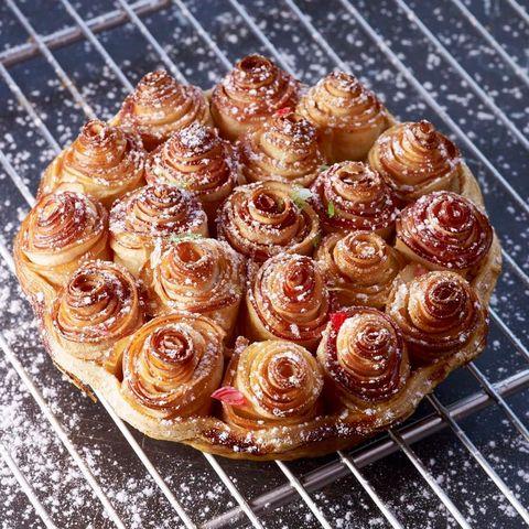 Tarta de manzana con forma de ramo de rosas del chef Alain Passard