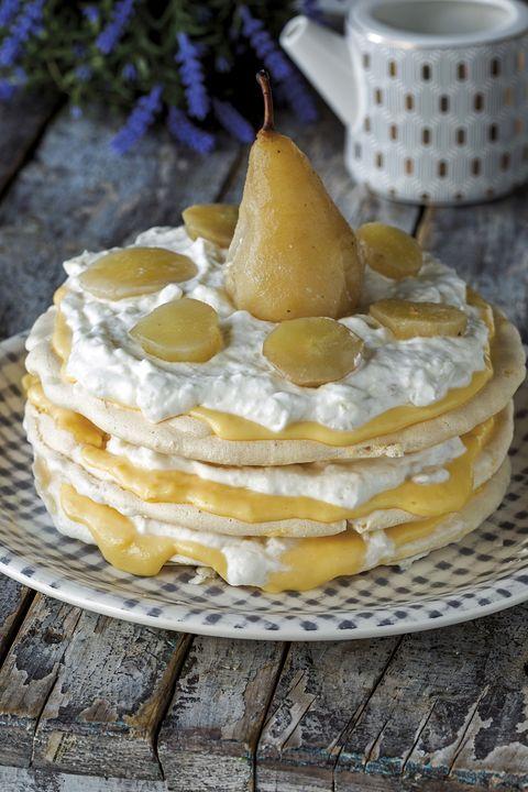tarta de merengue y pera