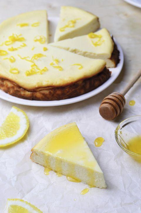 Tarta de queso con miel y limón