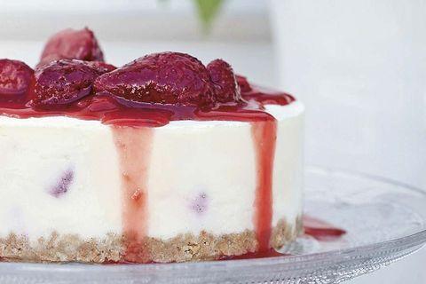 tarta de queso y fresas caramelizadas
