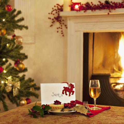 Tarte, vin et carte pour le Père Noël