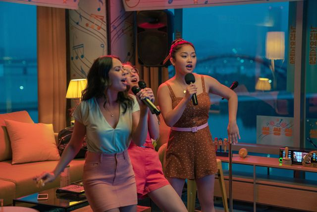 to all the boys ive loved before 3  janel parrish as margot covey, anna cathcart as kitty covey, lana condor as lara jean covey,  in to all the boys ive loved before 3 cr juhan noh  netflix © 2020