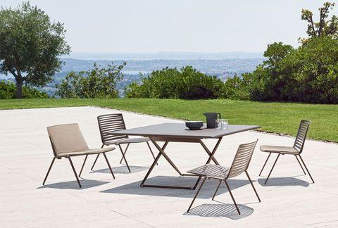 Ikea Tavoli Da Giardino Allungabili.I Migliori Tavoli Da Giardino Con Sedie Tendenza Estate 2019