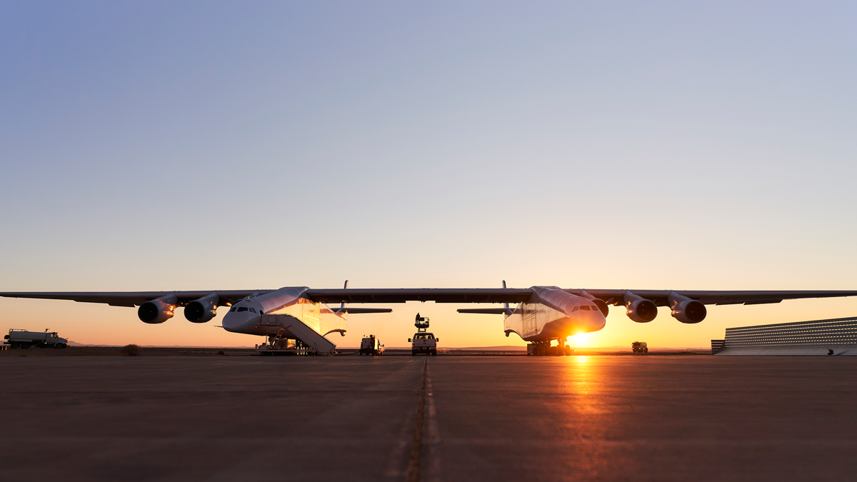 Stratolaunch Rocket-Launching Airplane Could Carry a New Space Shuttle