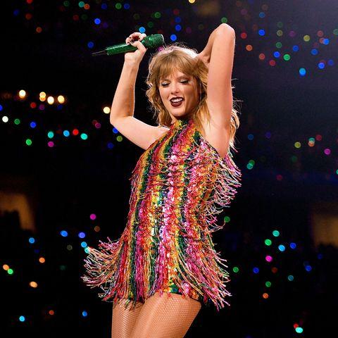 Entertainment, Performance, Dancer, Performing arts, Performance art, Event, Fun, Pop music, Music, Music artist,
