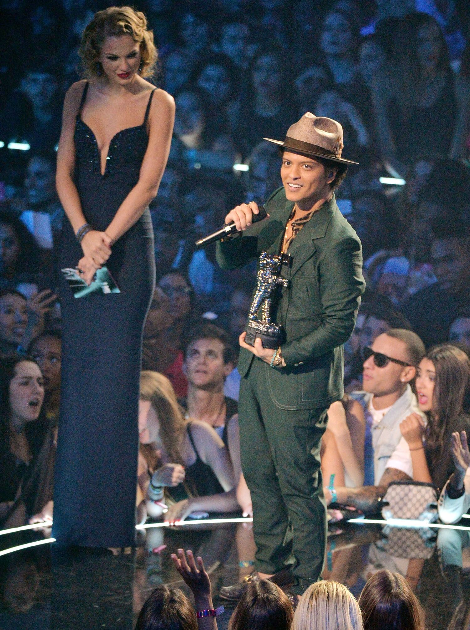 31 Times Bruno Mars Was The Shortest Person In The Room