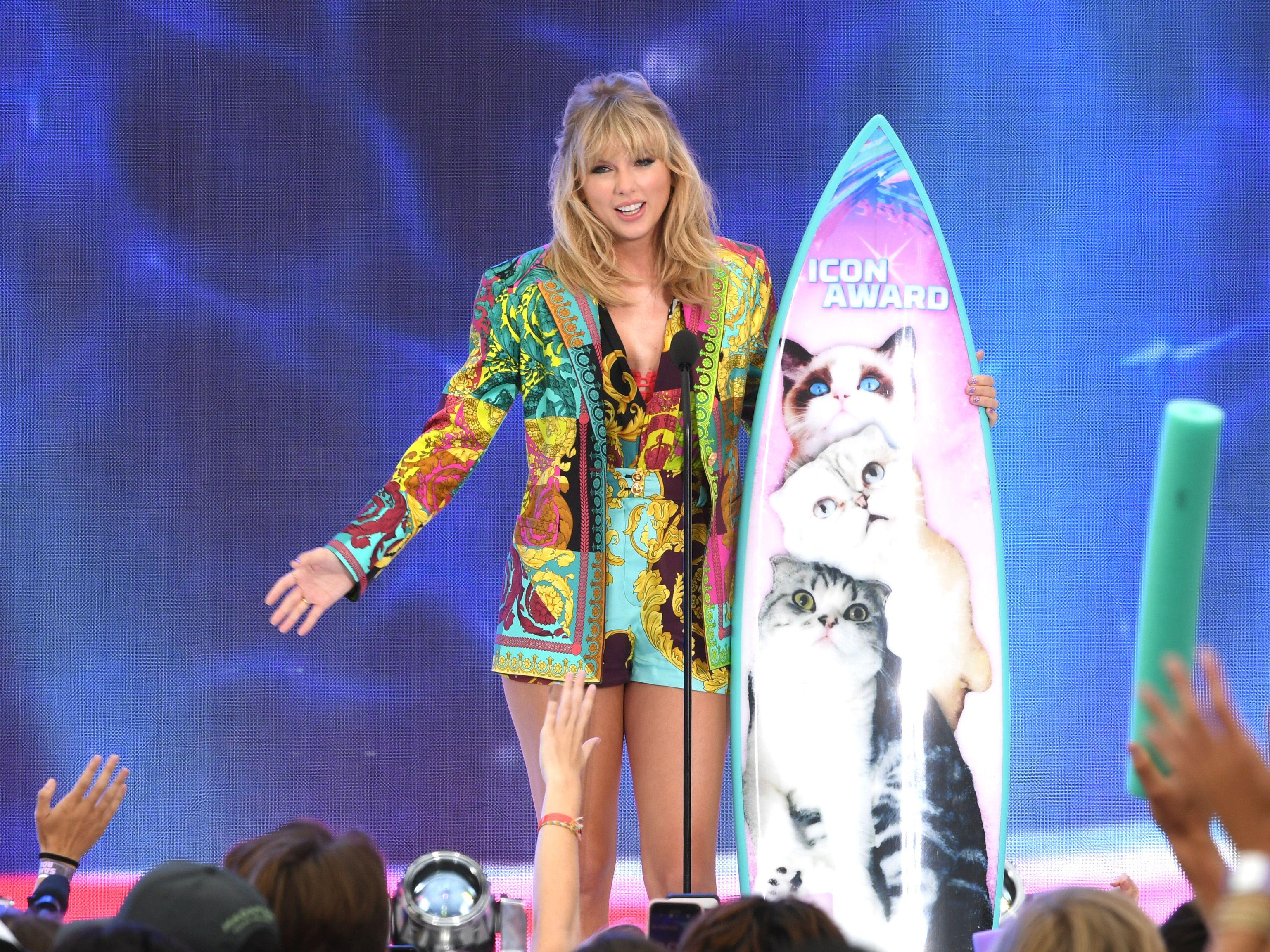 Som er dating Taylor Swift 2013