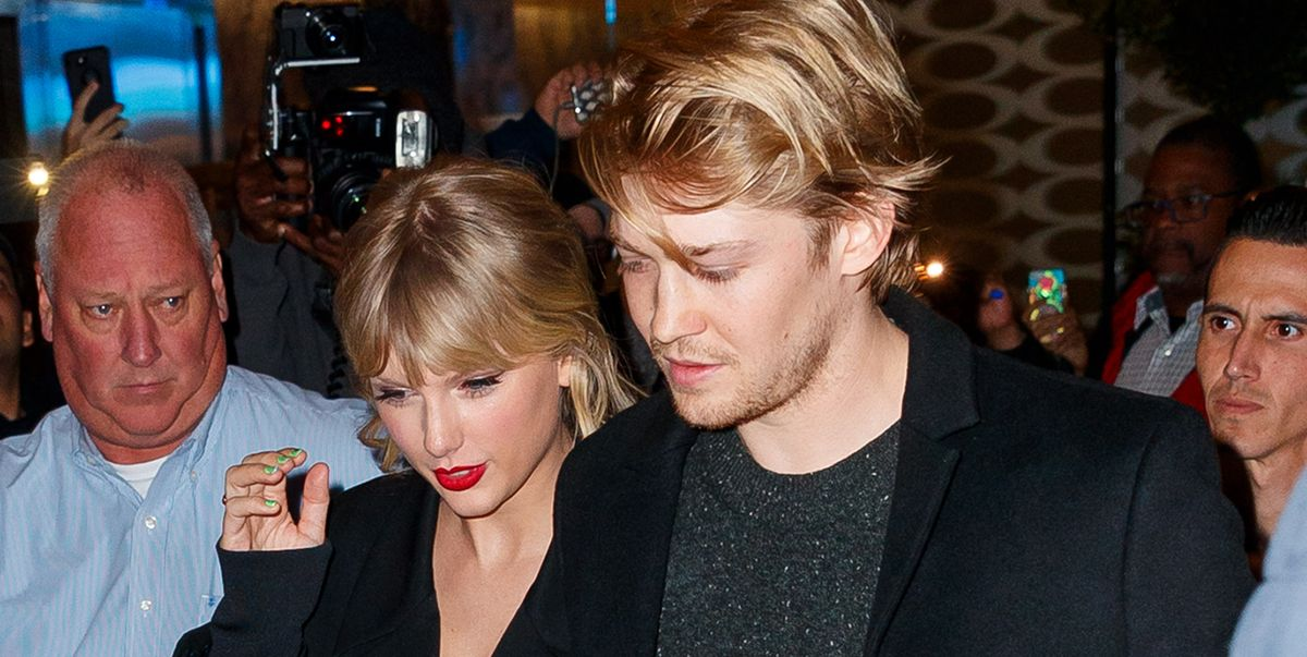 """Taylor Swift Reveals Joe Alwyn is the Real William Bowery in """"Folklore: The Long Pond Studio Sessions"""""""