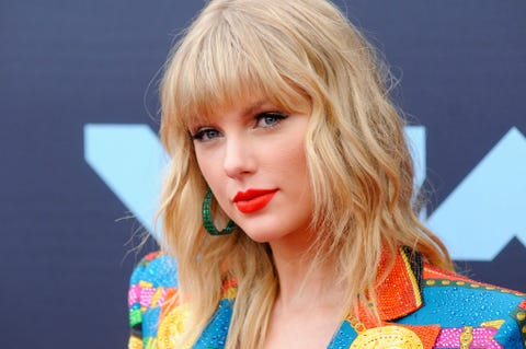 Taylor Swift attends the 2019 MTV Video Music Video Awards...