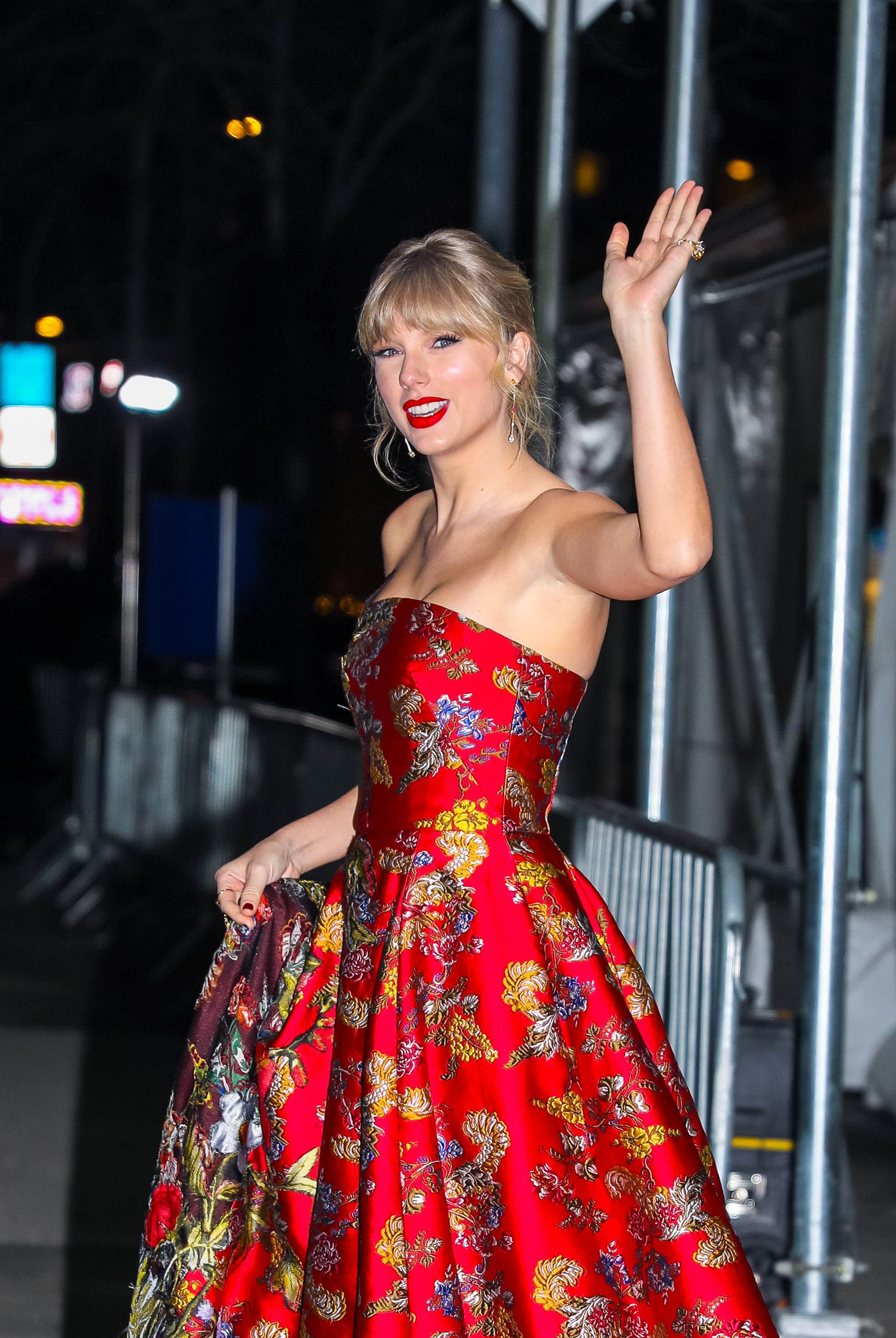 Why Taylor Swift Isn T Attending The 2020 Screen Actors Guild Awards