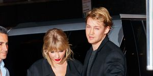 Taylor Swift & Joe Alwyn show more PDA than ever at NME Awards