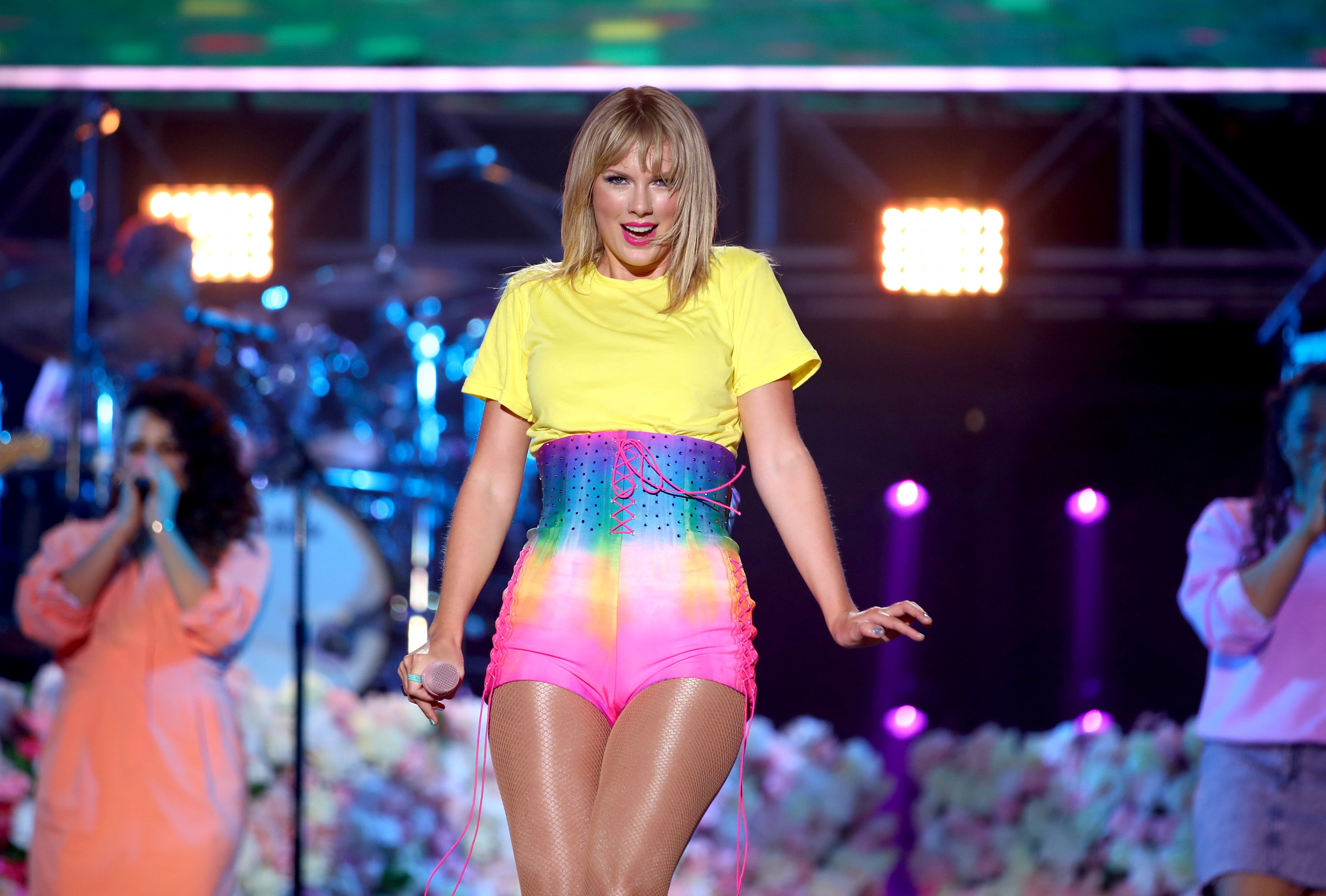 Taylor Swift Refuses To Talk Things Out With Scooter Braun Amid Drama